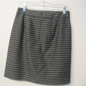 LOFT Skirts - Loft Women's Mini Skirt Gray Striped Sz 2